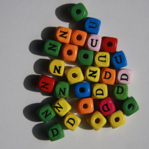 Letras 10x10mm Madera De Colores